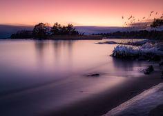 https://flic.kr/p/CJqpys | Elleholms lilla strand | Tvärs över viken från den riktiga badplatsen ligger det en väldigt liten sandstrand. Havet var lugnt den här eftermiddagen.