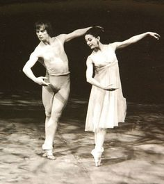 Rudolf Noureev BOTTI Stills Margot Fonteyn Photo Photographs Photographie Margot Fonteyn, Ballet Vintage, Adult Ballet Class, Dance Magazine, Mikhail Baryshnikov, Ballet Performances, Male Ballet Dancers, Nureyev, Russian Ballet