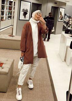 حجاب ملابس بنات محجبات hijab hijab fashion hijabers hijab sty… – Tesettür Ayakkabı Modelleri 2020 – Tesettür Modelleri ve Modası 2019 ve 2020 Hijab Casual, Hijab Chic, Hijab Elegante, Hijab Fashion Casual, Street Hijab Fashion, Tokyo Street Fashion, Muslim Fashion, Modest Fashion, Fashion Outfits