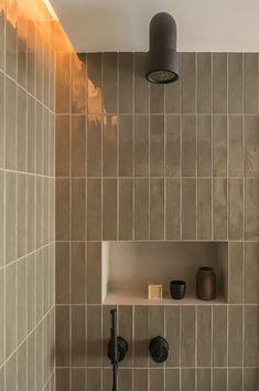 Amazing DIY Bathroom Ideas, Bathroom Decor, Bathroom Remodel and Bathroom Projects to greatly help inspire your bathroom dreams and goals. Dyi Bathroom Remodel, Bathroom Renos, Bathroom Renovations, Home Remodeling, Bathroom Ideas, Remodled Bathrooms, Washroom, Bathroom Cabinets, Bathrooms Online
