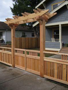 short fence and arbor Backyard Pergola, Backyard Landscaping, Diy Gate, Fence Gate Design, Tor Design, Gazebos, Short Fence, Fence Styles, Wooden Gates