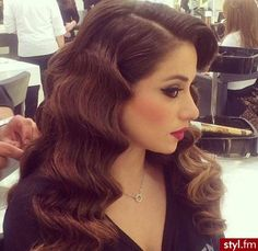 LOVE this elegant and classic curly look!                                                                                                                                                     More
