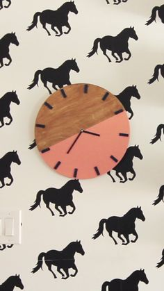 Make a Colorblock Wall Clock – diy home decor wood Home Decor Catalogs, Home Decor Store, Cheap Home Decor, Diy Home Decor, Woodworking Furniture, Teds Woodworking, Woodworking Videos, Youtube Woodworking, Woodworking Clamps
