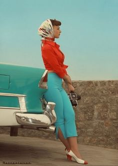 1950's. Head scarves & peddle pushers. So sexy, curves and a little bit of love handle over the pants.