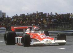 McLaren M23 - Nelson Piquet fez sua estreia na F1 na reta final da temporada de 1978. A foto é do GP da Holanda (Foto: Divulgação)