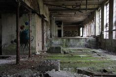 photos of abandoned buildings - Yahoo Search Results