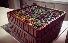 Rainbow Kit Kat & M&Ms Cake with Nutella Fillings M&ms Cake, Cake Kit, Lego Cake, Bolo Power Rangers, Kids Chocolate Cake, Bolo Minecraft, Minecraft Party, Bolo Panda, Cake Wallpaper