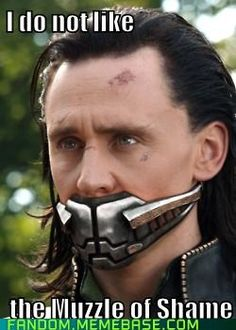 This not a loki face. This is a face normal not acting hiddleston face