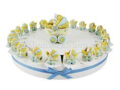Torta bomboniera con 22 carrozzine in resina colore celesti, confetti inclusi #tortadibomboniere #carrozzina #bambino #nascita #maschietto #economica