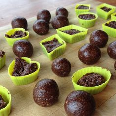 These double chocolate bliss balls are a great healthy option to satisfy your sweet treat cravings! Raw Bliss Balls, Vegan Truffles, Raw Chocolate, Balls Recipe, Healthy Options, Free Food, Cravings, Recipies, Sweet Treats