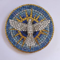 Christmas Mosaics, Mosaic Patterns, Mosaic Ideas, Mosaic Artwork, Stained Glass Designs, Holy Spirit, Crafts To Make, Holi, Indoor Outdoor