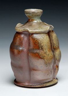 Bizen-style Pouring Piece: Hand-made