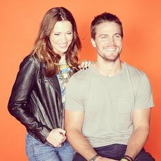Why are Katie Cassidy and Stephen Amell smiling? Because a new episode of Arrow airs tonight on The CW! http://instagram.com/p/Yf4h64NmIZ/