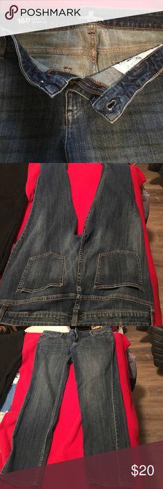 Liz Claiborne 16P City Fit Skinny Leg jeans 16P City Fit Skinny Leg LIZ CLAIBORNE Petite jeans. Two side pockets, 2 back pockets, with zipper/button front. In excellent condition. Liz Claiborne Jeans Skinny