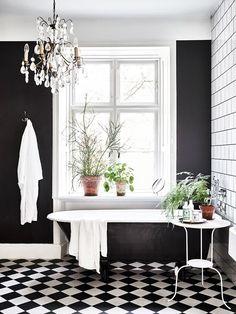 How To Share A Tiny Bathroom Bathroom Bathroom White Bathroom - Black-and-white-bathrooms