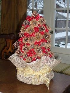 Pine Cone and Berry Tree | AllFreeChristmasCrafts.com
