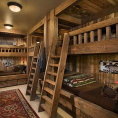 Cool bunk bed ideas for a cabin or beach house with a big family! I love this. A must have!!