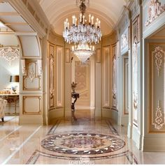 Love love this entrance way...The perfect welcome! @HouseofLMD #interiordesign #HouseofLMD Luxury Home Decor, Luxury Interior Design, Interior Architecture, Luxury Homes, Interior Decorating, Floor Design, House Design, Design Homes, Classic Interior