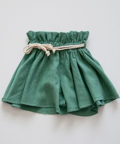 shopminikin - boy girl Paperbag Shorts, Green (http://www.shopminikin.com/boy-girl-paperbag-shorts-green/)