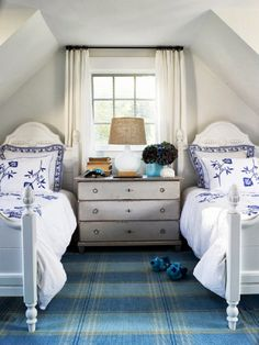 Hamptons Style Design for Twin Room. Blue and white.