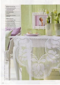 Oval tablecloth with flowers