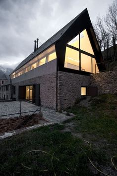 Guinovart Florensa Residence / Cadaval & Solà-Morales   ArchDaily