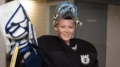 Noora Räty, who starred for the Minnesota Golden Gophers in college, became the first Finnish woman to play in a men's professional league this weekend. And she was stellar: Räty saved 30 of 31 shots in Bewe TuusKi's victory over the Porvoo… Finnish Women, Minnesota Golden Gophers, Hockey Girls, Finland, Victorious, Culture, Woman, History, Sports