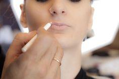 Making small & thin lips looking bigger Tips & tricks by Panos Kallitsis