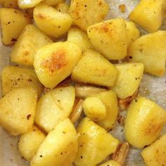 Roasted Potatoes Bbq Grill, Grilling, Yukon Gold Potatoes, Roasted Potatoes, Vegetable Side Dishes, Side Dish Recipes, Baking, Vegetables, Food