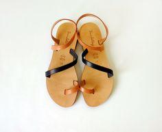 Sandals Genuine Greek Leather Sandals in Tan and por Sandelles