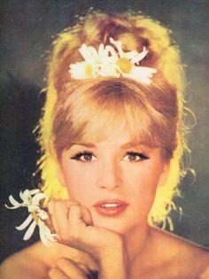 Aliki Vougiouklaki Famous Greek Actress