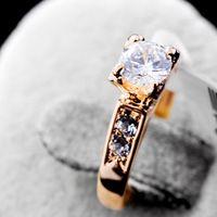 Ltalina manzana roja y rigant 18 k plateó el anillo de boda con 100% cristalino de Austria para mujeres