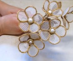 Diy Crafts - Make your own bouquet of flowers 😍 By: Needlework and beads from Tatiana Jute Flowers, Nylon Flowers, Paper Flowers Diy, Handmade Flower Jute Flowers, Nylon Flowers, Paper Flowers Diy, Handmade Flowers, Flower Crafts, Fabric Flowers, Felt Flowers, Beaded Flowers, Diy Crafts How To Make
