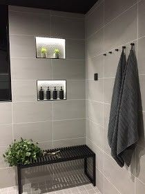 Towel Storage For Small Bathroom Bathroom Toilets, Laundry In Bathroom, Master Bathroom, Bad Inspiration, Bathroom Inspiration, Modern Cabin Interior, Sauna Design, Inside A House, Small Bathroom Storage