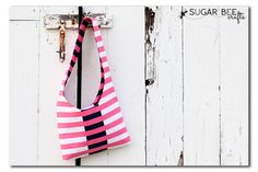 How to sew a Reversible Sling Bag - step-by-step instructions with a FREE pattern and tutorial