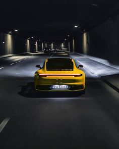 Brand new Porsche 911 driving through the night! Porsche 2020, Porsche 911 Models, Porsche Sports Car, New Porsche, Porsche Cars, Porsche Iphone Wallpaper, Porche 911, Car Silhouette, Vw Group