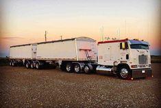 Big Rig Trucks, Semi Trucks, Cool Trucks, Train Truck, Road Train, Custom Big Rigs, Custom Trucks, Freightliner Trucks, Peterbilt