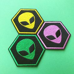Alien Patch Iron On Embroidered Patches Applique Embroidery • UFO Space Invader Newcomer Hippie Hipster