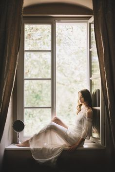 Bridal Portraits, Curtains, Home Decor, Blinds, Decoration Home, Room Decor, Draping, Home Interior Design, Picture Window Treatments