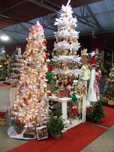 Christmas Tree Decorations.. If Your ever in Great Barrington, Ma. check out Ward's Nursery.. I Love it there.