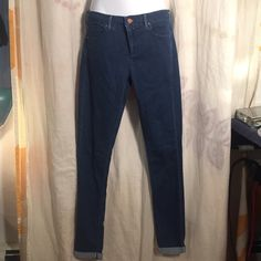 Topshop Moto Leigh Cuffed Jeans Skinny 28 32 EUC Super cute Moto Jeans, no issues - let's be friends add me on Instagram @OrnamentalStone Facebook Group: Jaded And Traded Pinterest OrnamentalStone /Jaded And Traded Clothes For Sale xoxo Topshop Jeans Skinny