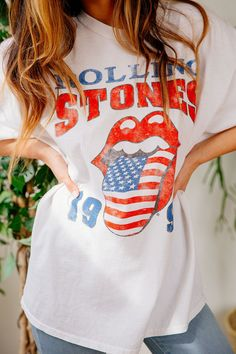 Urban Outfitters The Rolling Stones 1994 Tour Tee *Affiliate Link 4th Of July Outfits, Spring Outfits, Outfit Summer, Tees For Women, Clothes For Women, Rolling Stones Shirt, Nike Classic Cortez, Jeans Style, Vintage Looks