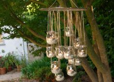 lampion-bougie-en-forme-de-lustre-a-faire-avec-pot-en-verre-de-recup. Baby Food Jar Crafts, Mason Jar Crafts, Mason Jars, Baby Jars, Baby Food Jars, Outdoor Chandelier, Candle Chandelier, Chandelier Ideas, Outdoor Lighting