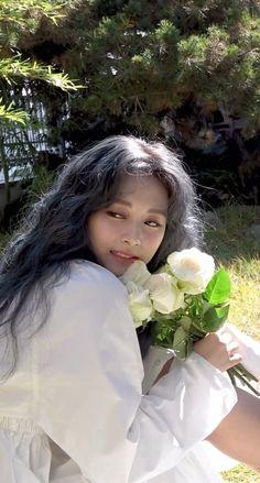 yes i am tzuyu photobook flower photoshoot chou tzuyu pretty beautiful kpop idol twice member flowers ethereal garden white roses White Aesthetic, Kpop Aesthetic, Aesthetic Girl, Nayeon, Backgrounds Wallpapers, Aesthetic Wallpapers, Twice Photoshoot, Foto Jungkook, Chaeyoung Twice