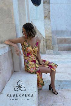 Vestidos 100% sostenibles :) Reveresibles y multiposición, puedes ponertelos por la parte estampada o por la parte lisa, y combinar las mitades #rebervere #reberverizate #style #slowfashion #fashion #fashionlover #womanfashion #invitadaperfecta #invitadaideal #invitadaconestilo #marcaespaña