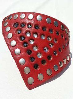 Collar para perros pequeños modelo Deluxe Pyramid. Se realiza en varios colores y tallas - Collares Mimal -