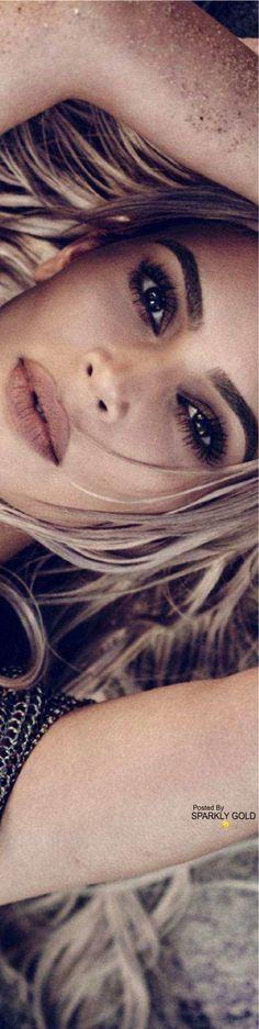 Kim Kardashian/Elle Apr 18