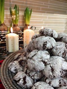 Liian hyvää: Chocolate Crinkles eli lumiset suklaapikkuleivät