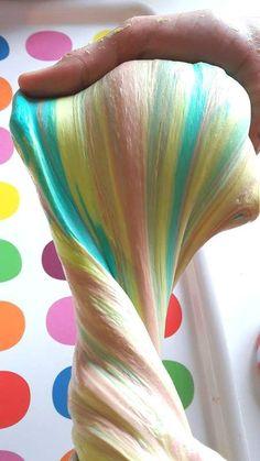 Recette {DiY} Fluffy Slime multicolore: la pâte qui scotche petits et grands !!