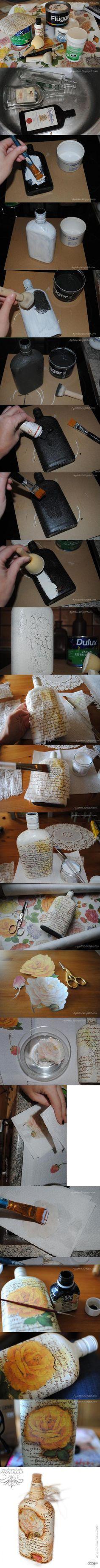 Botella decorada con servilletas y betun de judea